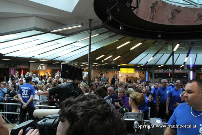 Masse Fotos Fans Menowin Fröhlich